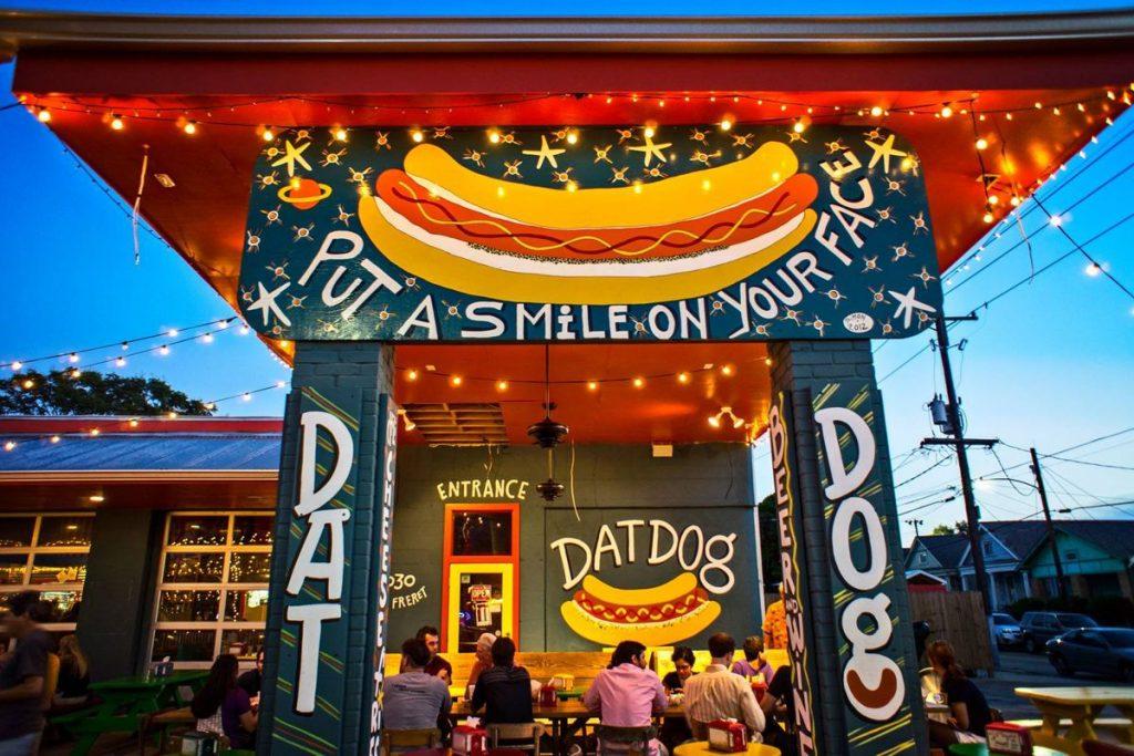 dog-friendly restaurant in new orleans